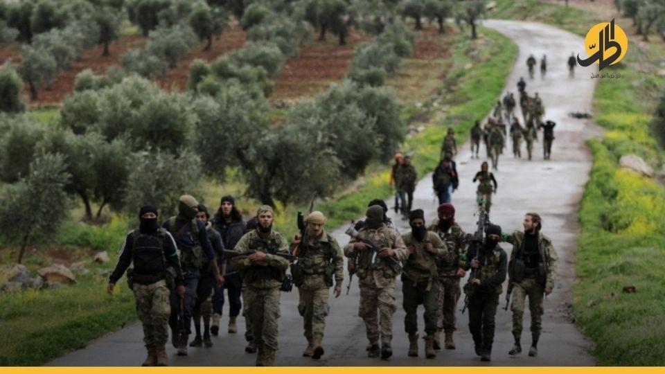 """(فيديو)- للمطالبة بحقوقهم.. مظاهرات ضد القوات التركيّة في """"الباب"""" شرقي حلب"""