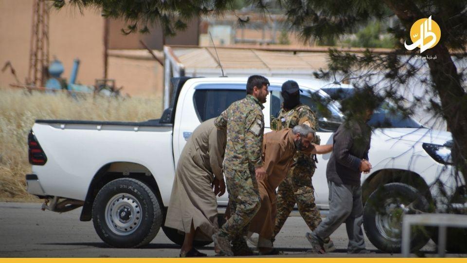 """بعمليتين منفصلتين.. """"قسد"""" تعتقل عنصرين من خلايا «داعش» في ريفي دير الزور والقامشلي"""