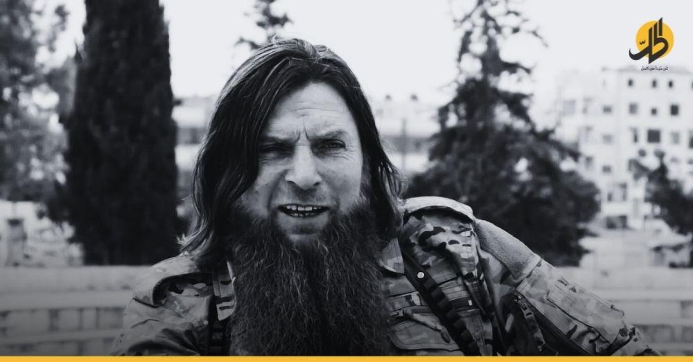 """""""الشيشاني"""" يفشي عرض """"تحرير الشام"""" ويراوغ من أجل بقائه في سوريا"""