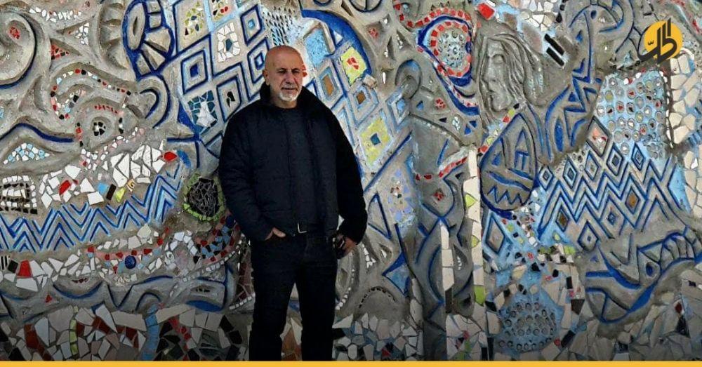فنان سوري يشتري بنطالاً براتبه.. هذا ما فعله خوفاً على لباسه الجديد!