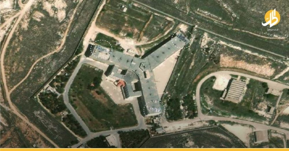 """ألواحٌ شمسيّة فوق سجن """"صيدنايا"""".. هل هي وسيلةٌ جديدة لتعذيب المُعتقلين كبديلٍ عن الكهرباء؟"""