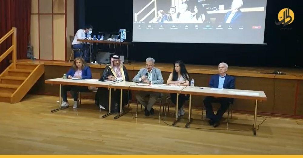 """""""استعادة السيادة"""" أم """"تعويم الأسد""""؟ مؤتمر السياسيين السوريين في جنيف يترنّح بعد تهديدٍ بانسحاباتٍ واسعة"""