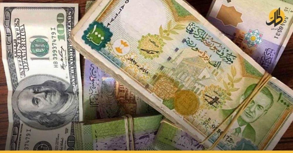 الليرة السورية تتراجع من جديد والدولار يقترب من ٣٥٠٠