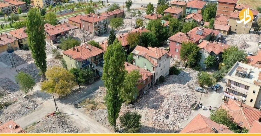 """بعد حادثة """"ألتنداغ"""".. السلطات التركية تبدأ بهدم منازل يقطنها لاجئون سوريون"""