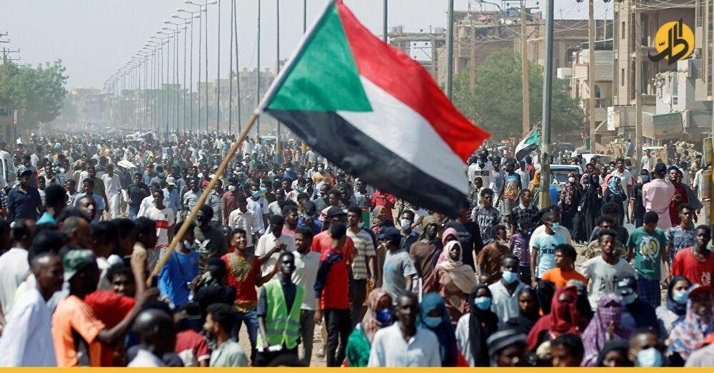 في السودان.. انقلاب أم تحرك لحفظ مخرجات الثورة؟