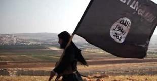 """داعش يعدم شاباً في الرقة بتهمة """"المثلية الجنسية"""""""