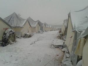 """مخاوف على أوضاع اللاجئين في لبنان لدى وصول العاصفة """"نانسي"""""""
