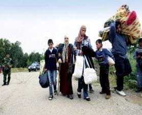 خروج عشرات العائلات من حصار الغوطة الشرقية لريف دمشق