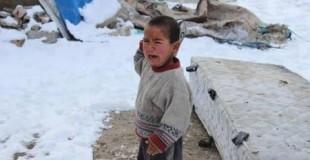 البرد والأوبئة يهددان 150 الف طفل سوري في المخيمات التركية