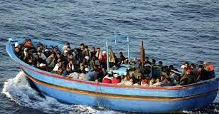 إنقاذ 194 سوري قرب السواحل الإيطالية