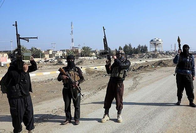 تنظيم داعش يعدم 8 عناصر من الجيش الحر في ريف حلب الشمالي