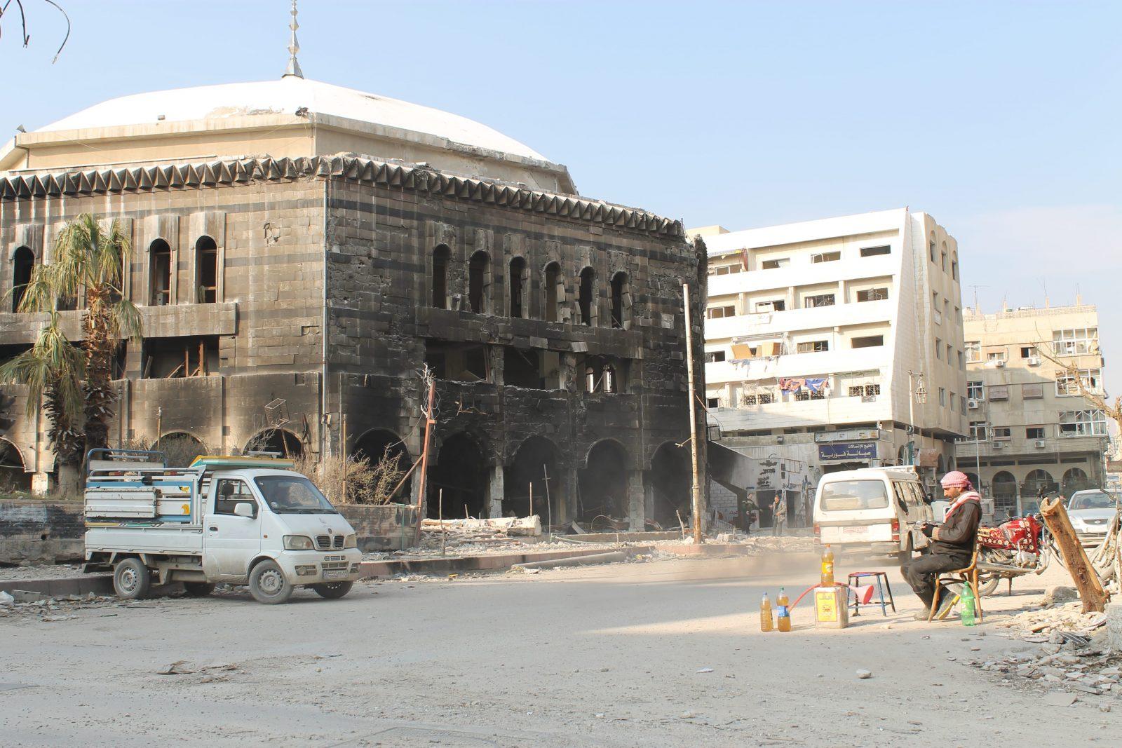 لغم زرعته فصائل المعارضة يوقع قتيلا.. وقصف مكثف على عموم الغوطة الشرقية