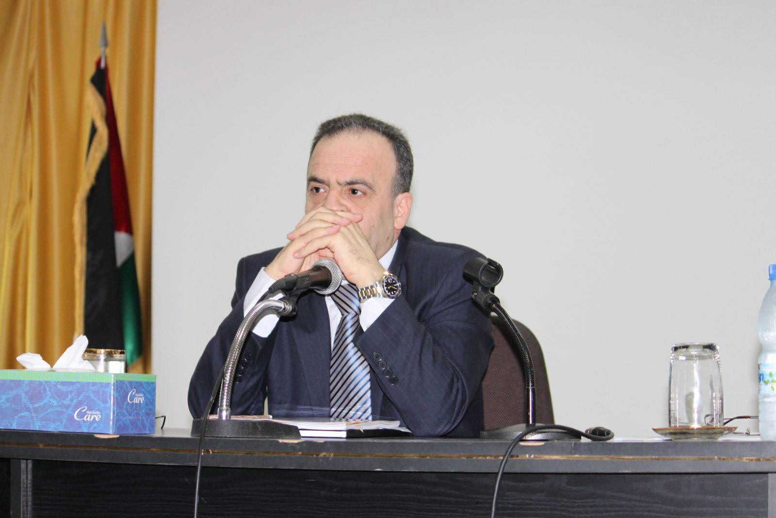 صناعيو دمشق يطالبون وزارة الكهرباء بتخفيض التقنين وتحديد مواعيده
