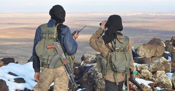 بسبب وجود داعش والنصرة: ترقب حذر للهدنة بالقلمون.. وتوقعات بعدم استهداف النصرة لقتالها داعش