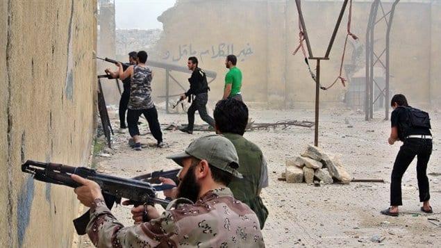 ضحايا مدنيون بغارات روسية على حلب.. ومعارك مستمرة في أحياء المدينة