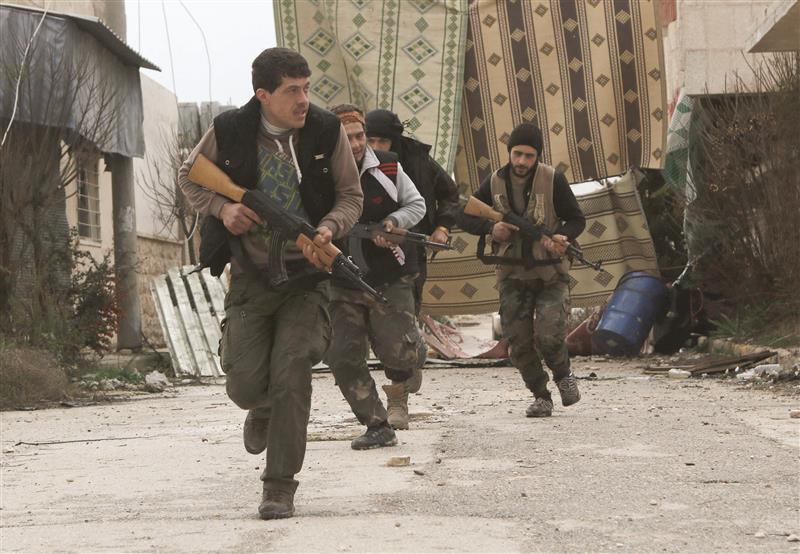 حلب: قوات النظام تتقدم في ريف المدينة.. واشتباكات مستمرة مع المعارضة