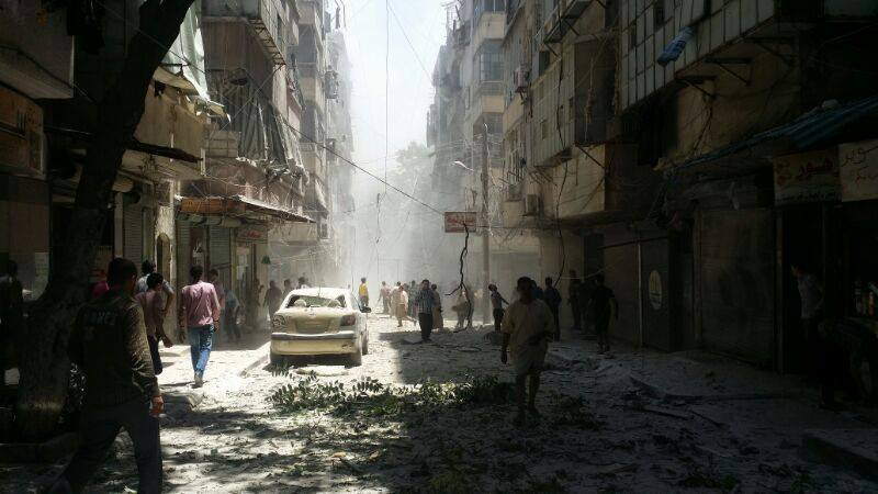 حلب: ضحايا مدنيين بغارات النظام.. واشتباكات في المدينة وريفها