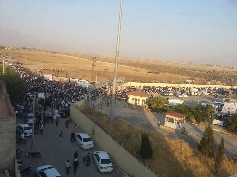 السلطات التركية تفتح معبر تل أبيض.. وأردوغان قلق من تقدم القوات الكوردية