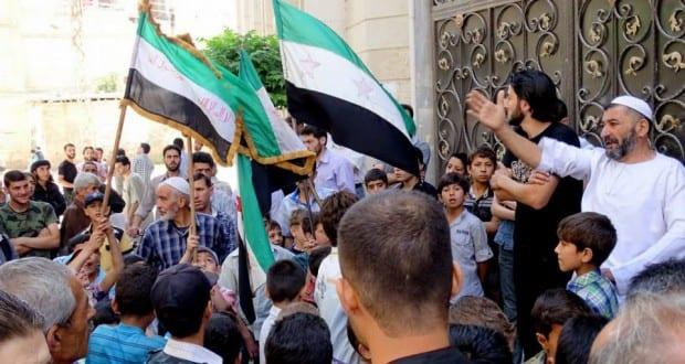 مظاهرات مستمرة في الغوطة الشرقية تندد بالحصار وممارسات القيادات العسكرية