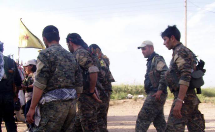 الرقة: معارك بين الحر وداعش.. والقوات المشتركة تتعهد بالسماح للأهالي بالعودة