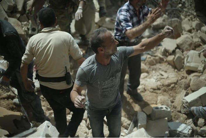 غارات على حلب وريفها.. وصواريخ فراغية على سوق شعبي تقتل مدنيين