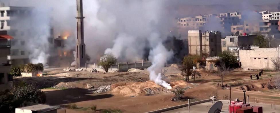 ريف دمشق: قنابل عنقودية على كفربطنا وحمورية