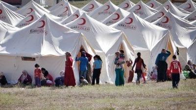 """وزير العمل التركي: """"لن نمنح اللاجئين السوريين حق العمل"""""""