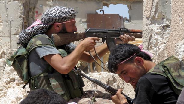حلب: المعارضة تهاجم مواقع داعش.. والتحالف يكثف ضرباته الجوية