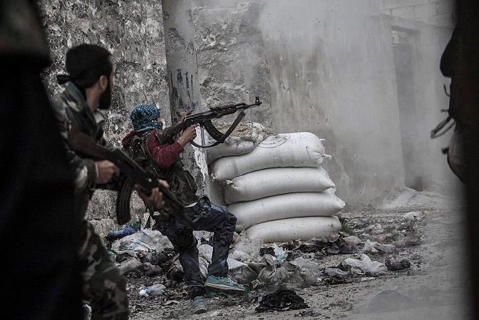 ريف دمشق: اشباكات في منطقة الوادي.. وقصف على المقيليبة والديرخبية