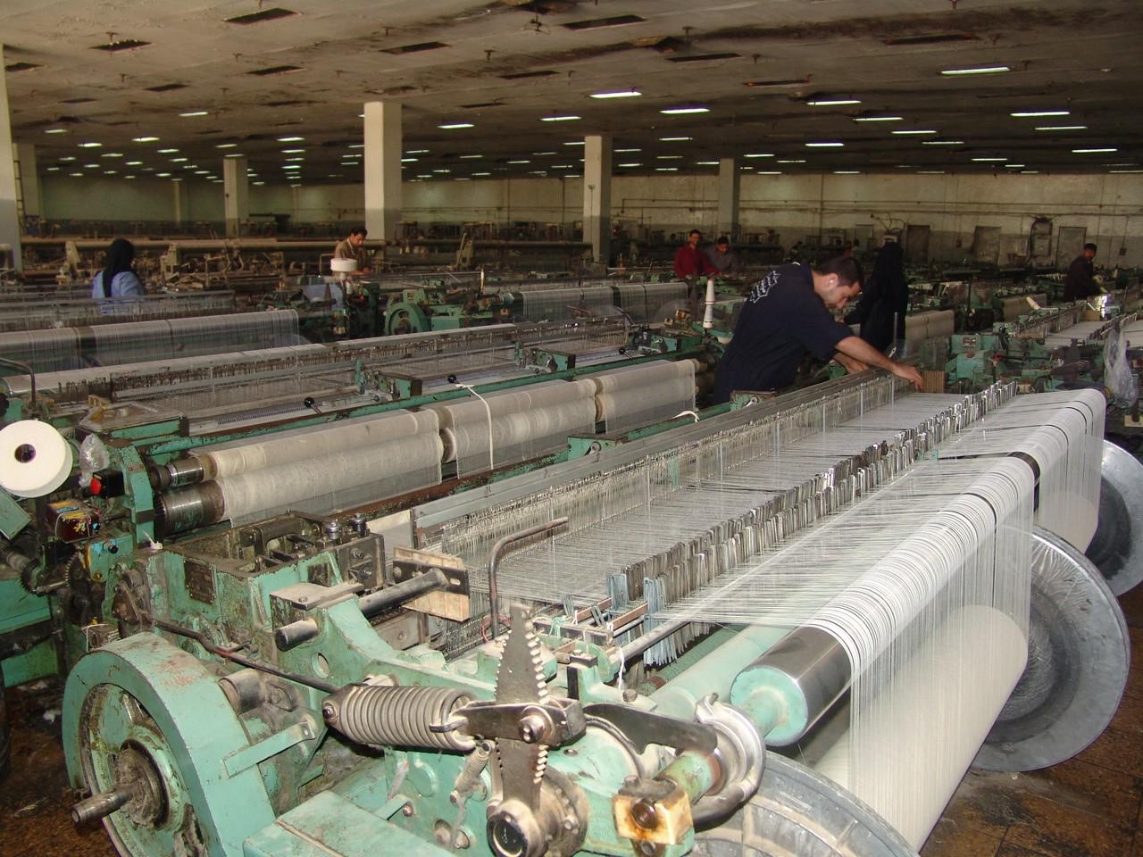 23 ألف عامل تركوا عملهم في وزارة الصناعة