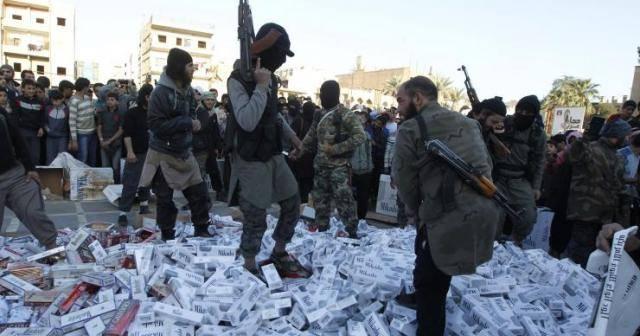 تجارة التبغ في مناطق داعش.. مورد مالي جديد للتنظيم