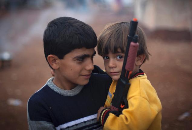 الصراع المسلح يدفع آلاف الأطفال السوريين نحو أعمال خطيرة