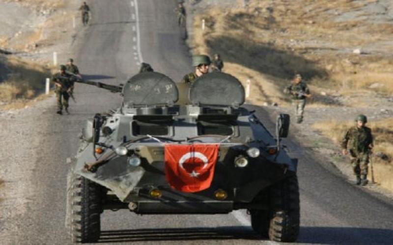 """جرح إثنين من القوات التركية جراء استهداف حافلتهم قرب """"اعزاز"""" شمالي سوريا"""