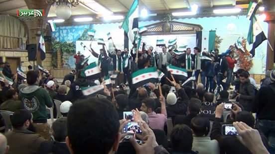 """الغوطة الشرقية في """"جمعة الكرامة"""": مظاهرات واحتفالات بمشاركة قادة الفصائل لـ""""إحياء روح الثورة"""""""