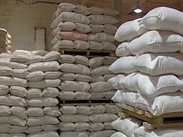 المؤسسة الإستهلاكية: ننتظر السكر عبر الخط الإئتماني الإيراني لتوزيعه