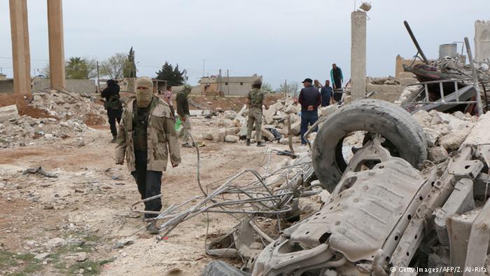 ديرالزور: داعش يستعيد السيطرة على بلدة محكان.. وقتلى مدنيون بغارات روسية