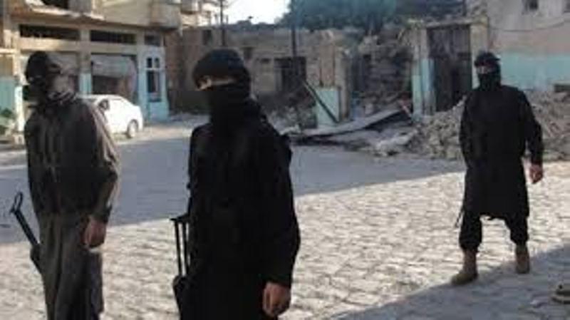 ديرالزور: داعش يتقدم في محيط حي هرابش.. وقوات النظام ترد بقصف مواقع سيطرته