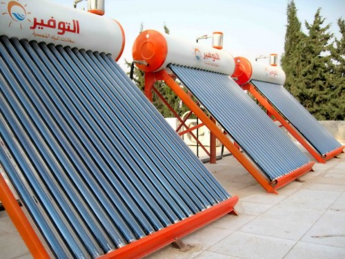 مشروع لتركيب ألواح طاقة شمسية لنحو 335 مدرسة في سوريا