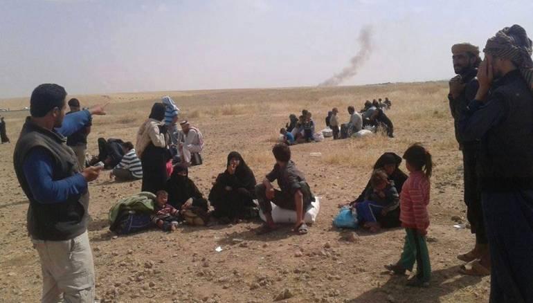 """من مناطق داعش.. إلى مخيمات الحواجز و""""سماسرة"""" القوى الأخرى"""