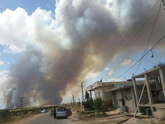 قصف جوي ومدفعي مكثف على ريف حماة.. والأهالي يحتمون بالملاجئ