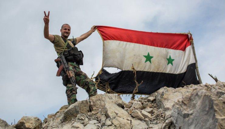 """النظام يتقدم ميدانياً في حلب.. ويتعهد بـ """"خروج آمن"""" لمقاتلي المعارضة"""
