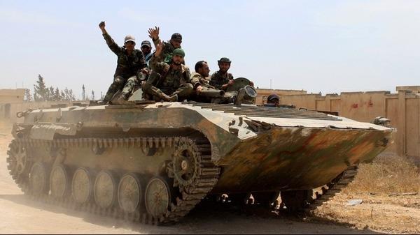 حماة: قوات النظام تسيطر على 4 قرى.. وخروج مركز للدفاع المدني عن الخدمة