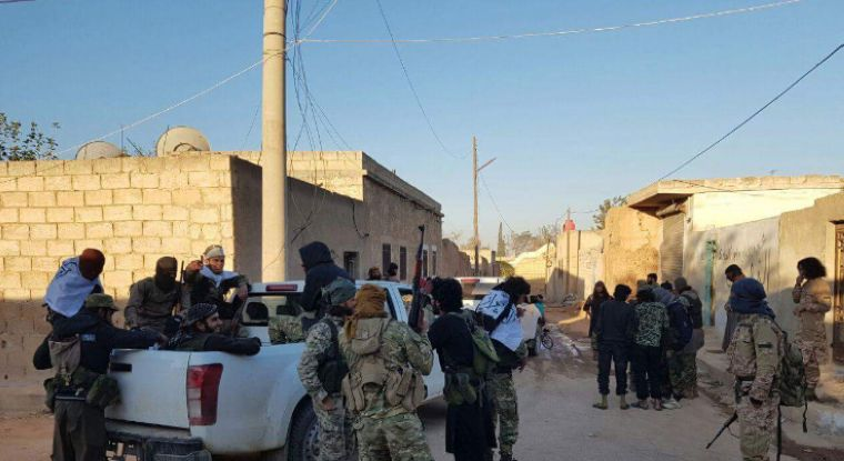 عشرون قتيلاً نتيجة احتدام المعارك بين قوات سوريا الديمقراطية ودرع الفرات قرب تل رفعت