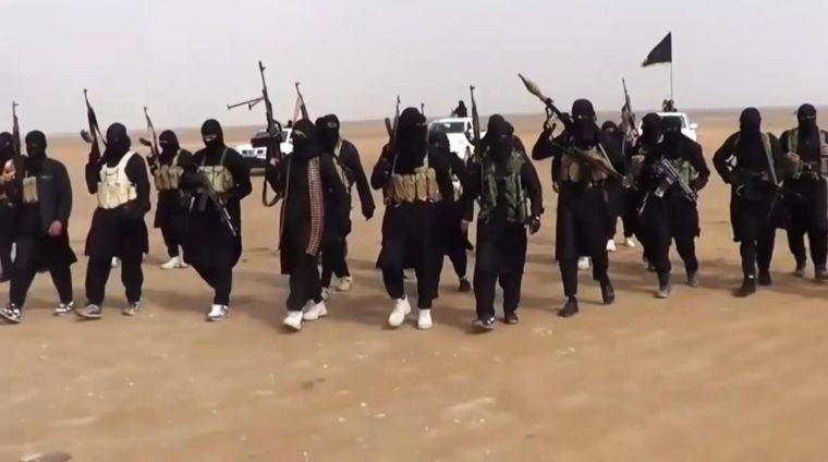 داعش يشن هجوماً معاكساً على درع الفرات في حلب ويسيطر على عشر قرى