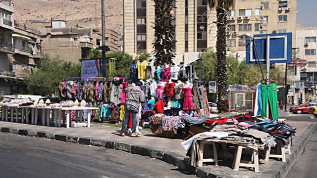 """حملة على """"البسطات"""" والأكشاك في دمشق وألف إزالة في يوم واحد"""