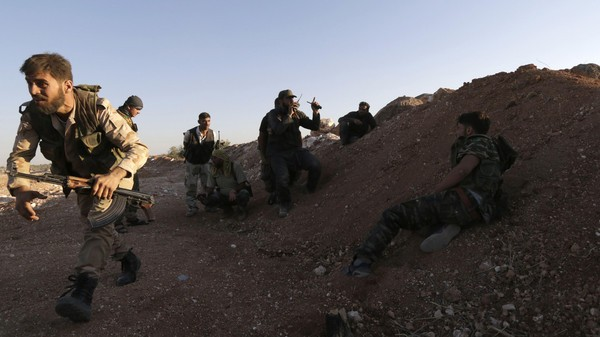 حماة: اشتباكات عنيفة على جبهة الطليسية.. وخروج دفعة جديدة من محاصري وادي العذيب