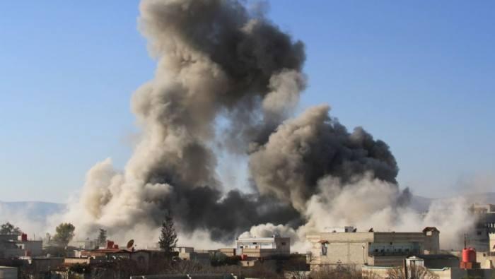 الطيران الحربي يستهدف مخيما للنازحين في درعا ويوقع ضحايا
