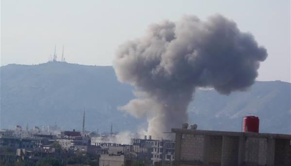 سبعة قتلى وعشرات الجرحى نتيجة قصف النظام الغوطة الشرقية بالصواريخ العنقودية والمدفعية