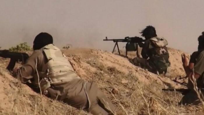 مواجهات بين داعش والنظام في محاولة للأخير لاستعادة مواقع خسرها في مدينة ديرالزور