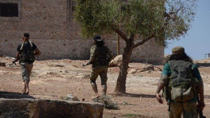 """حمص: داعش """"يباغت"""" النظام بالريف الشرقي ويقطع طريق دمشق – دير الزور"""